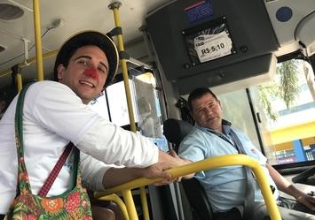 Campanha nos ônibus homenageiam motoristas no dia 25/07